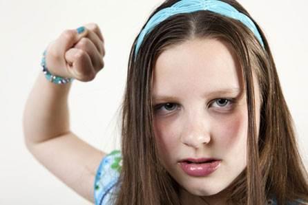 Adolescentes-que-maltratan-a-sus-padres