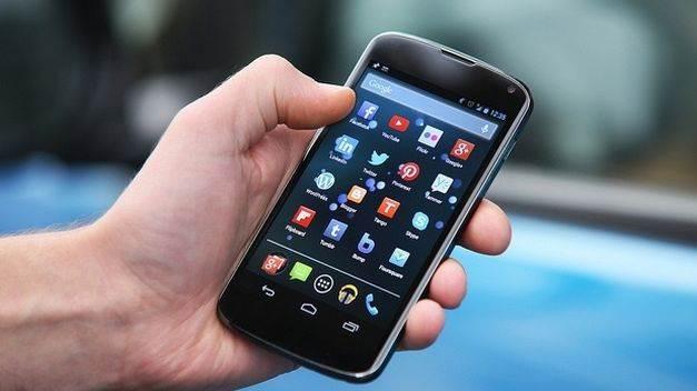telefonos-moviles-reflejo-microbioma-personal_TINIMA20140624_0809_19